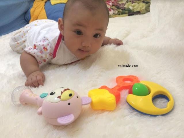 Cara Mudah Melatih Bayi agar Bisa Tengkurap dengan Cepat
