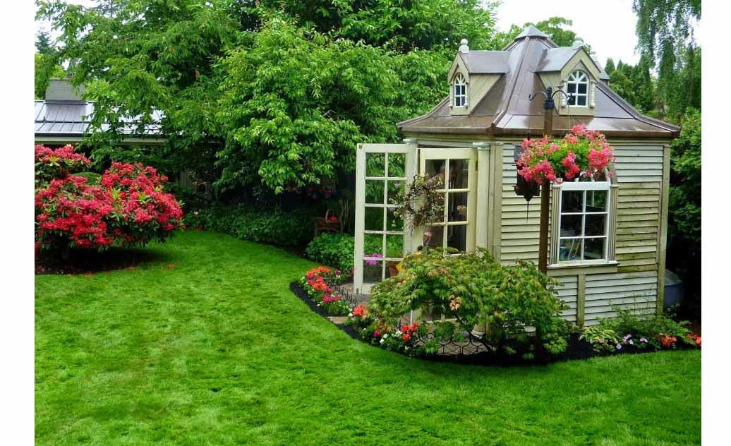 Beautiful Gardens In Small Houses Interior Design Ideas