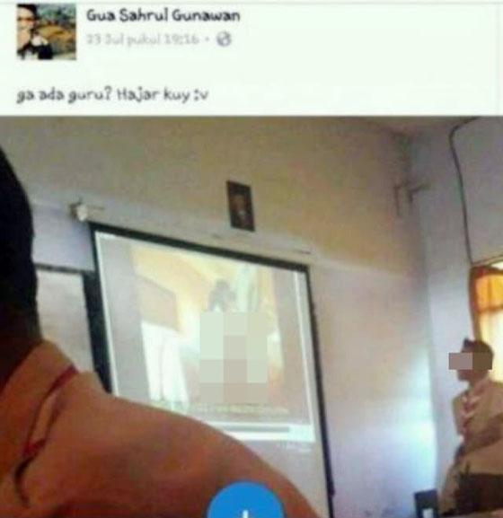 Nonton Video Porno Gunakan Proyektor Dalam Kelas