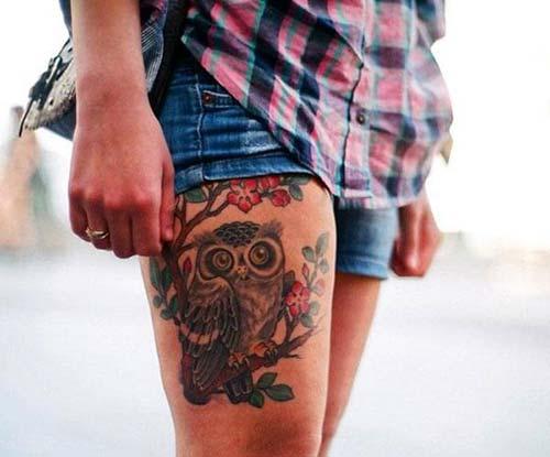 kadın üst bacak baykuş dövmesi woman thigh owl tattoo