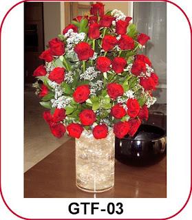 Rangkaian Bunga Meja Mewah Di Perigi Baru