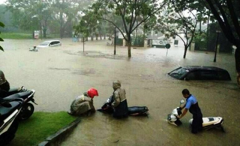 Foto Banjir Surabaya