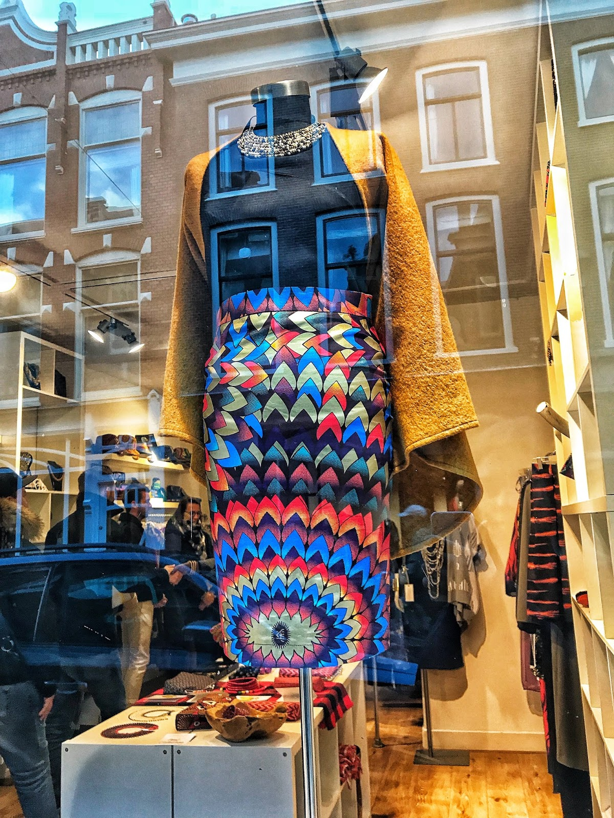 Colourful fashion Lady Africa Shopping in The Hague