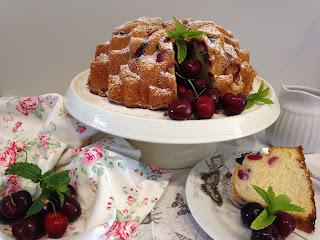 bundt cake de cerezas