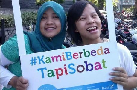 Hari Toleransi International Di Aceh Bagi Kue Kembang