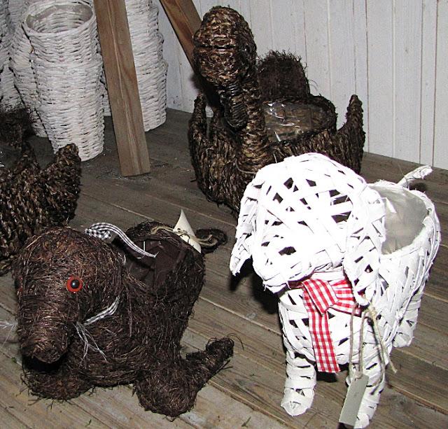 punotut koriste-esineet risutyö hylje koira