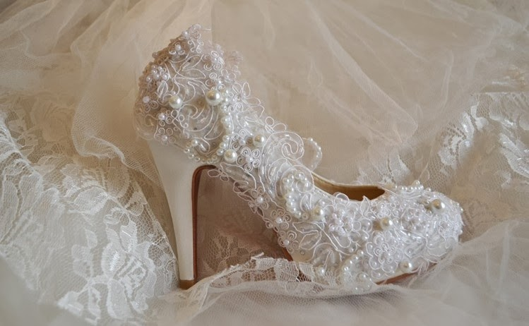 Pretty Bridal Footwear with Lace and Pearls