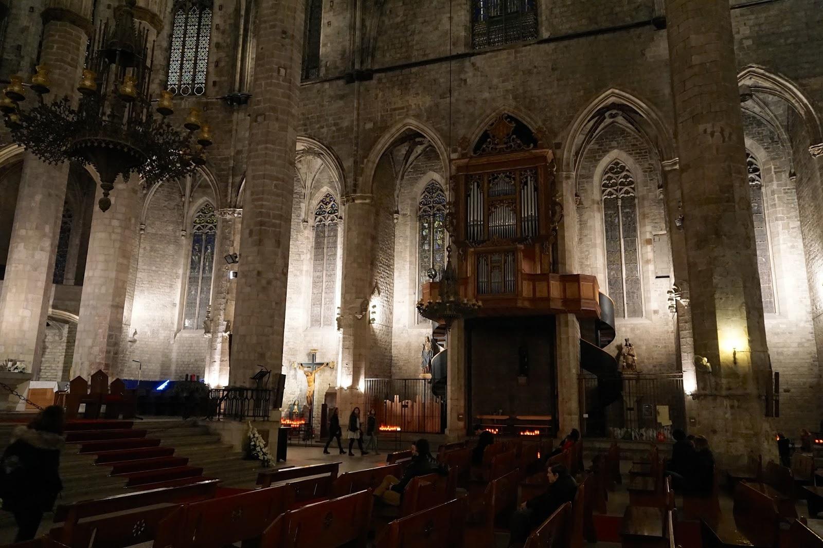サンタ・マリア・ダル・マル教会(La església de Santa Maria del Mar)