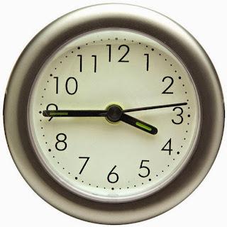 http://rimasdecolores.blogspot.com.es/2013/05/juegos-para-aprender-las-horas-del-reloj.html