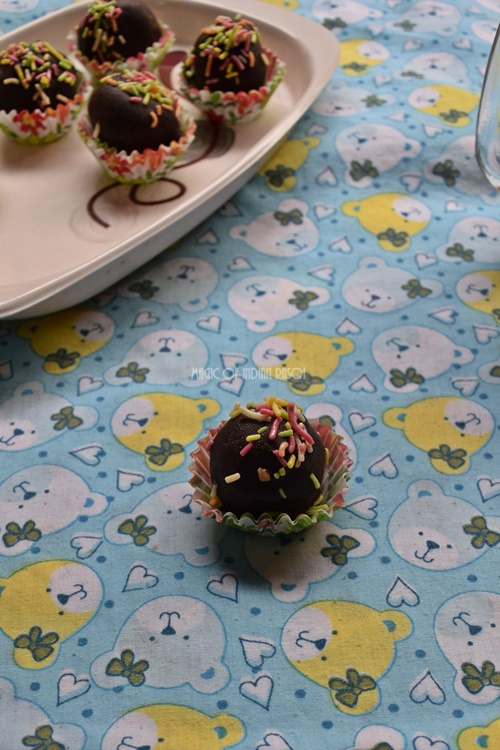 Easy Oreo Truffles Recipe- Magic of Indian Rasoi - Priya R