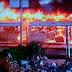 Ônibus fica destruído após pegar fogo na avenida Paralela