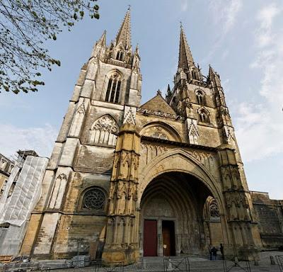 Le 15 Août, les cloches sonneront pour les chrétiens d'Orient MàJ la carte intérative de France et du monde  dans France Cath%25C3%25A9drale%2BSainte-Marie%2Bde%2BBayonne