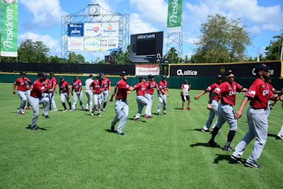 Los Gigantes del Cibao inician prácticas con 32 jugadores