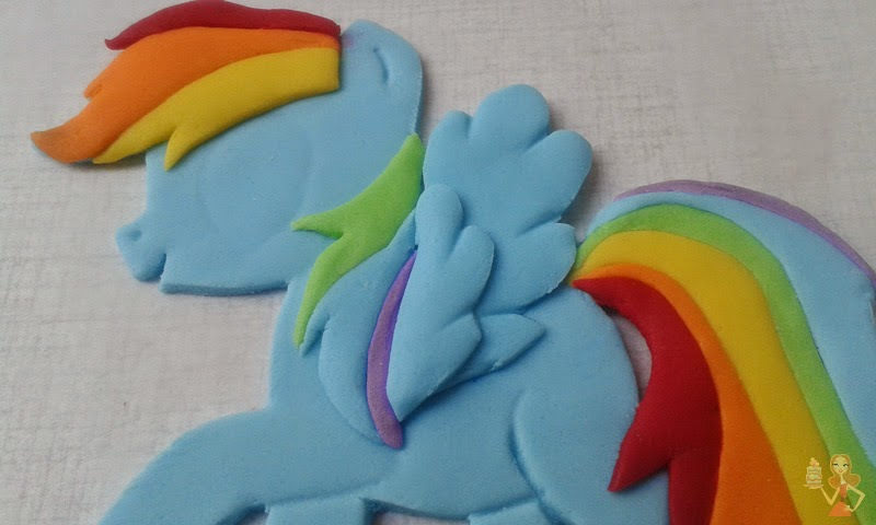 Make me a cake my little pony rainbow dash cake tutorial for Rainbow dash cake template