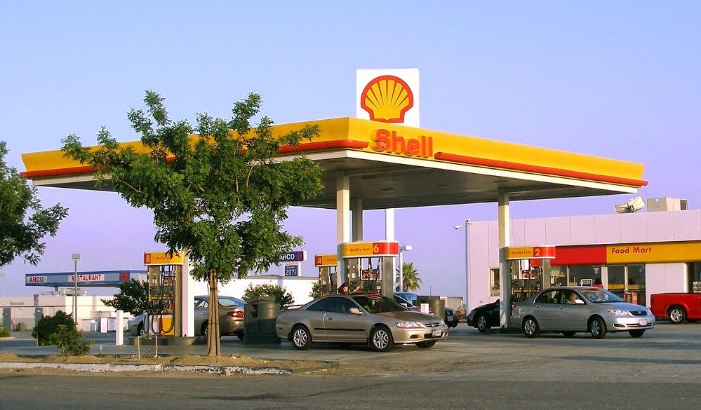 Abastecer o carro | Posto de Gasolina