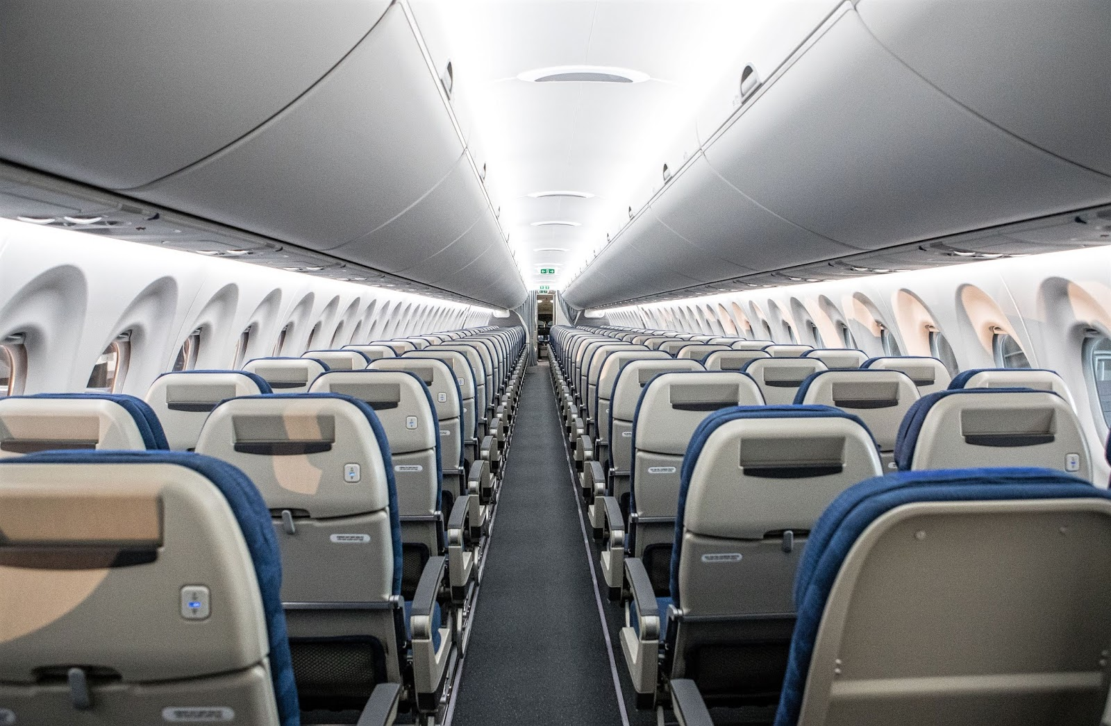 Bombardier Cs300 Korean Air Cabin Interior View Aeronef Net