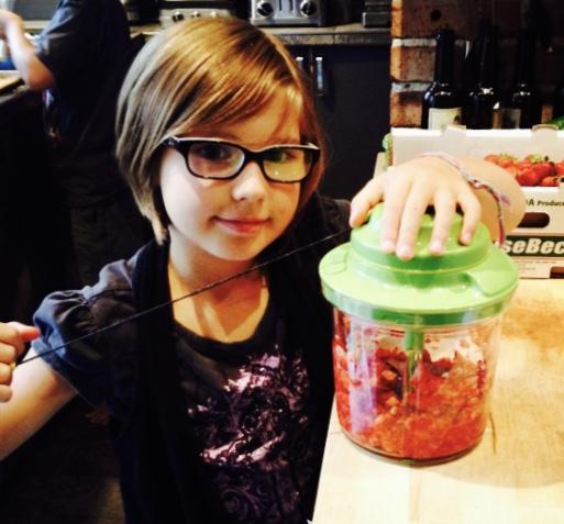 1 2 3 je cuisine avec les produits tupperware les enfants s amusent cuisiner - Cuisiner avec tupperware ...
