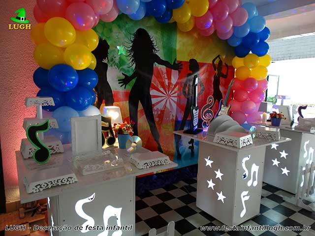 Decoração Discoteca para mesa temática infantil