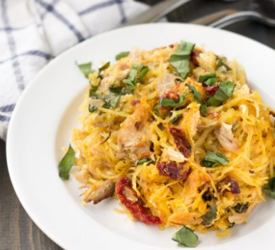 Whole30 Tuscan Chicken Spaghetti Squash #whole30 #healthyrecipe