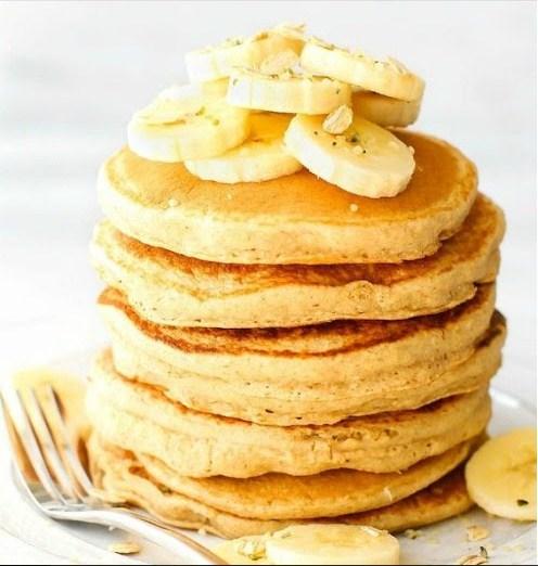 Fluffy Flourless Banana Smoothie Pancakes