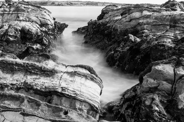 荒崎海岸 長秒撮影 モノクロ