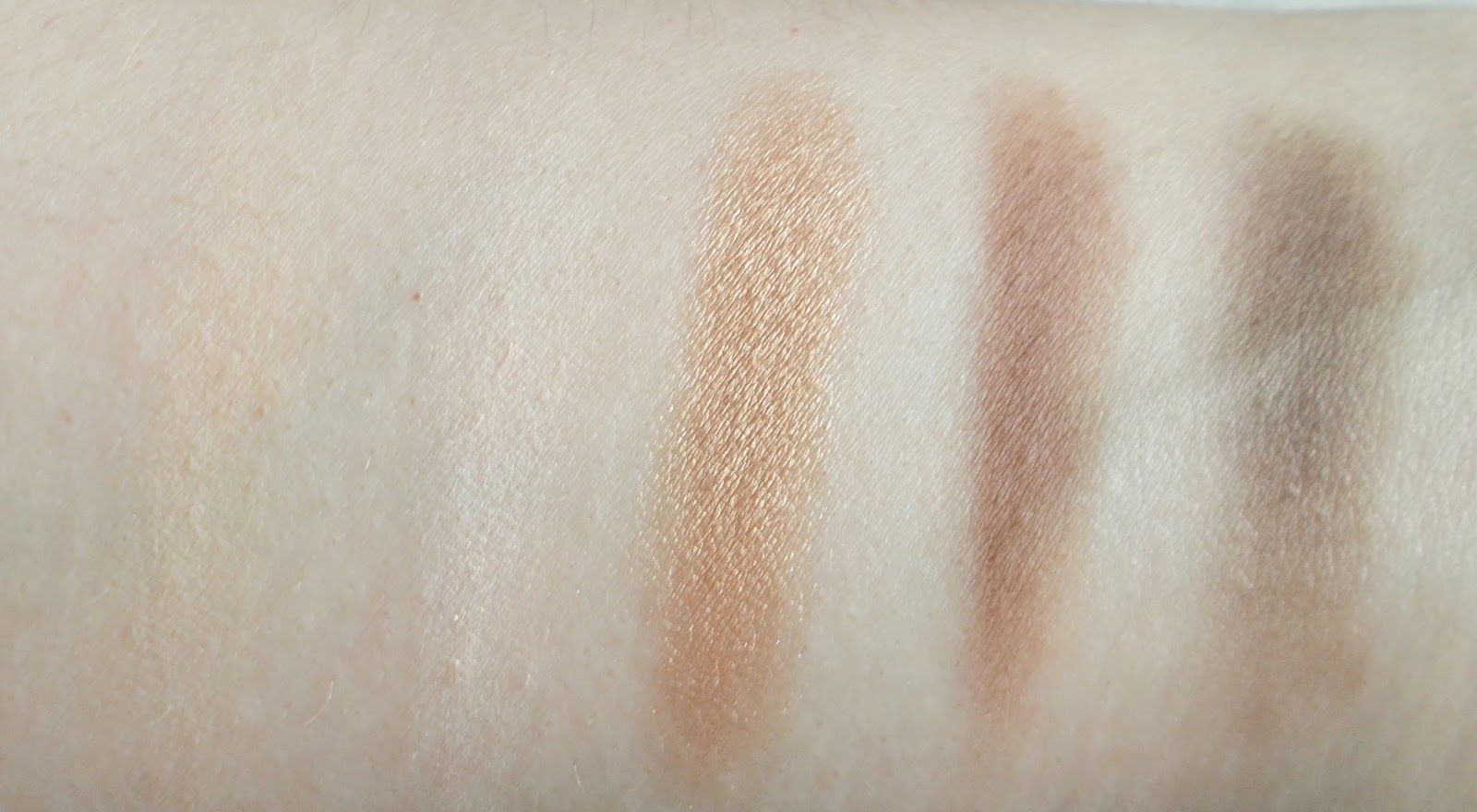 Stila Perfect Me Perfect Hue palette review eyeshadow swatches