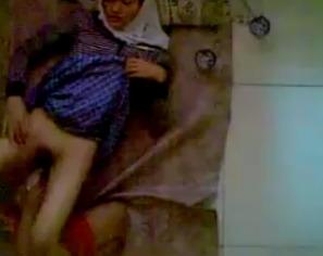 Ngintip Jilbab SMU Ngentot