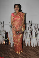 Sonam Kapoor Soha Ali Khan Konkona Sharma at Raw Mango store launch March 2017 033.JPG