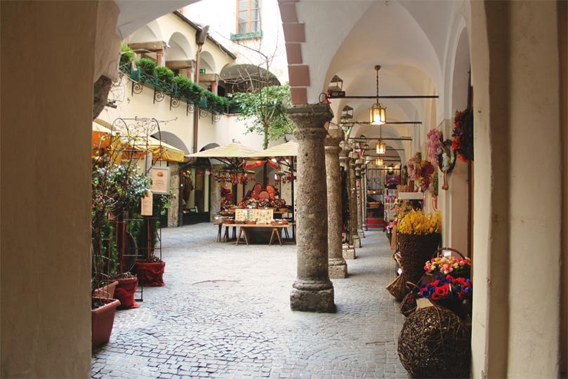 Salzberg Arcade Shops