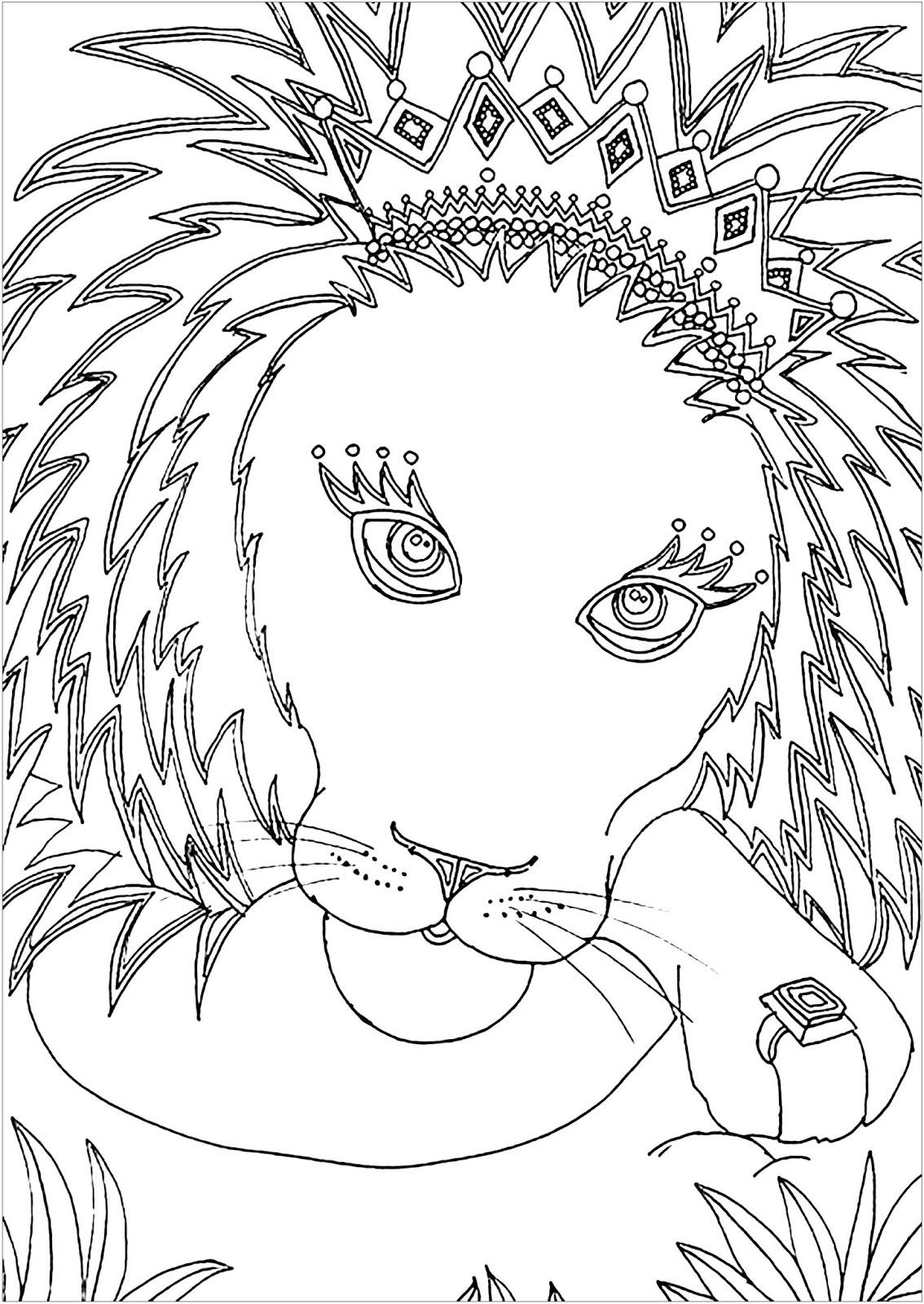 Tranh tô màu con sư tử đeo vương miện