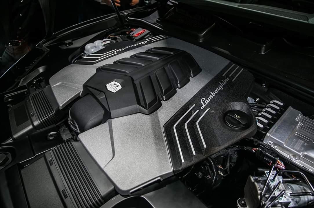 2019 Lamborghini Urus Black Body Smart Review Information Tech News