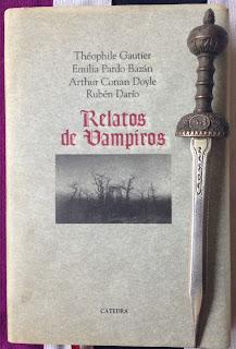 Portada del libro Relatos de vampiros, de varios autores