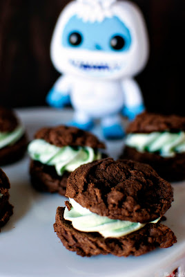 Grasshopper Pie Cookies from Pass the Sushi on @KatrinasKitchen