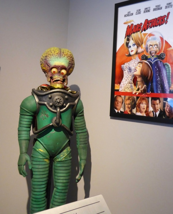 Mars Attacks Martian foot soldier