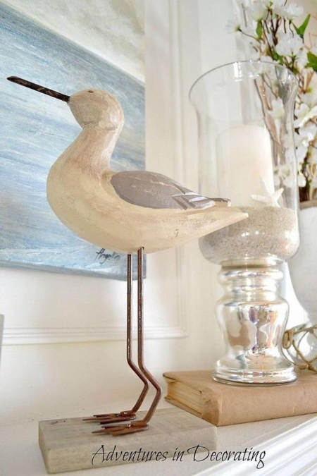Carved Shore Bird Statue Figurine