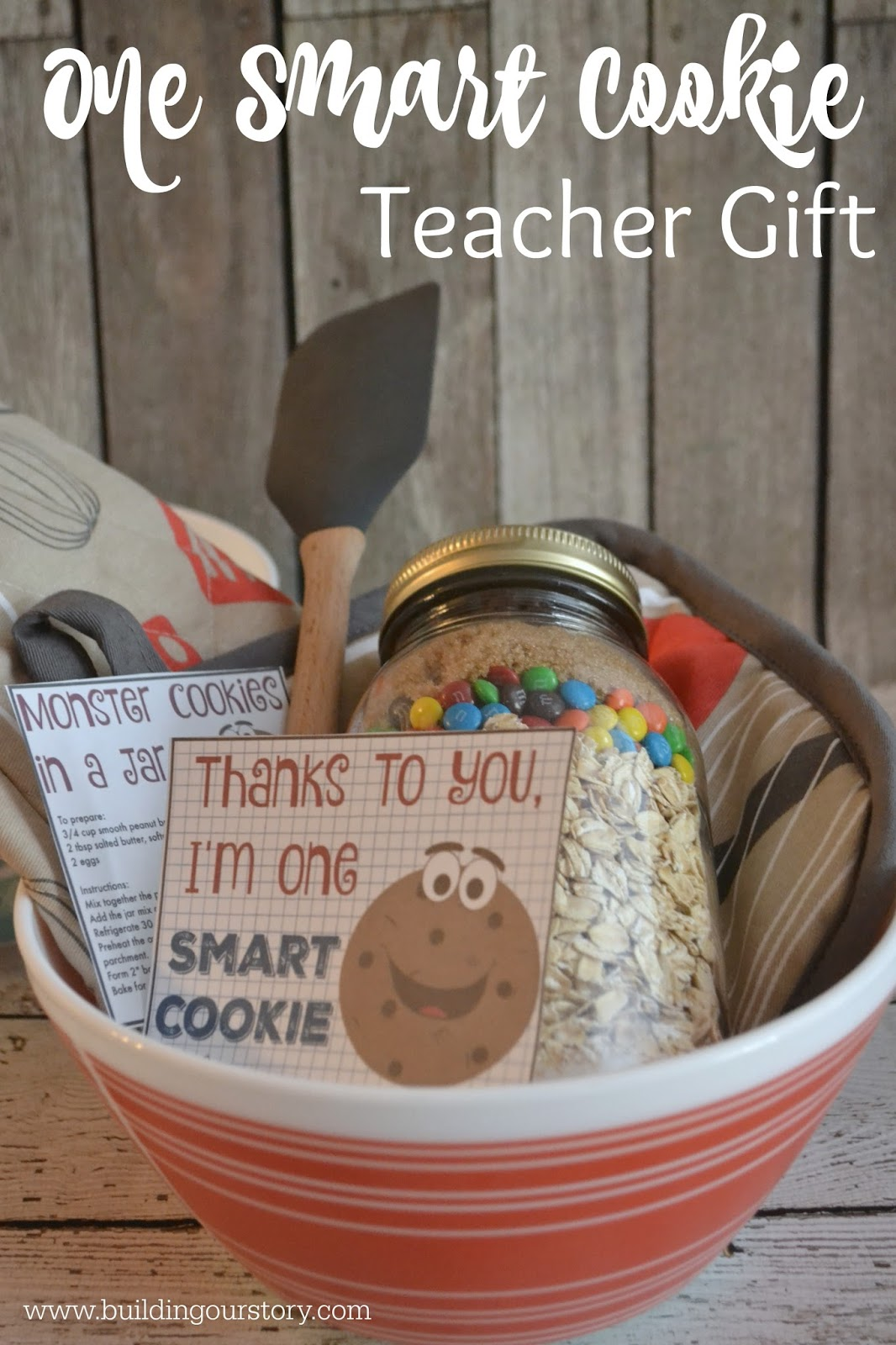 What's the Project? These teacher appreciation gifts are as easy as it comes and something the teacher will actually love. Simply print out these gift card holders, add a gift card to her favorite place and you're all set to say thank you to your teacher! It's Teacher Appreciation time of year and I have a major soft spot for spoiling my kids' teachers.