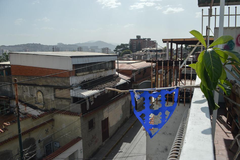 Banderín con la forma de la planta del Miramar en la Pastora, terraza de la Macolla Creativa