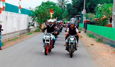 Bikers Honda CB150R Streetfire melakukan city rolling dari GOR Goentoer Darjono – Taman Makam Pahlawan, Purbalingga