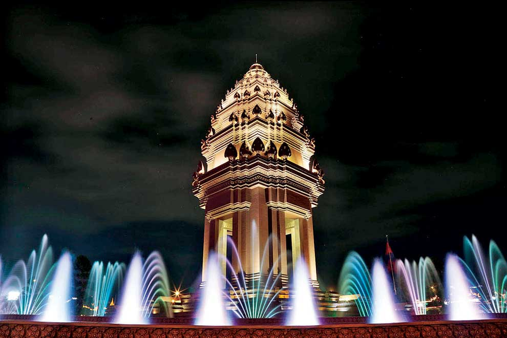 vann molyvann and the new khmer Vann molyvann is not just cambodia's most revered architect, he is a national icon his work includes independence monument, the olympic stadium, chaktomuk theater and many, if not most, of phnom penh's landmarks.
