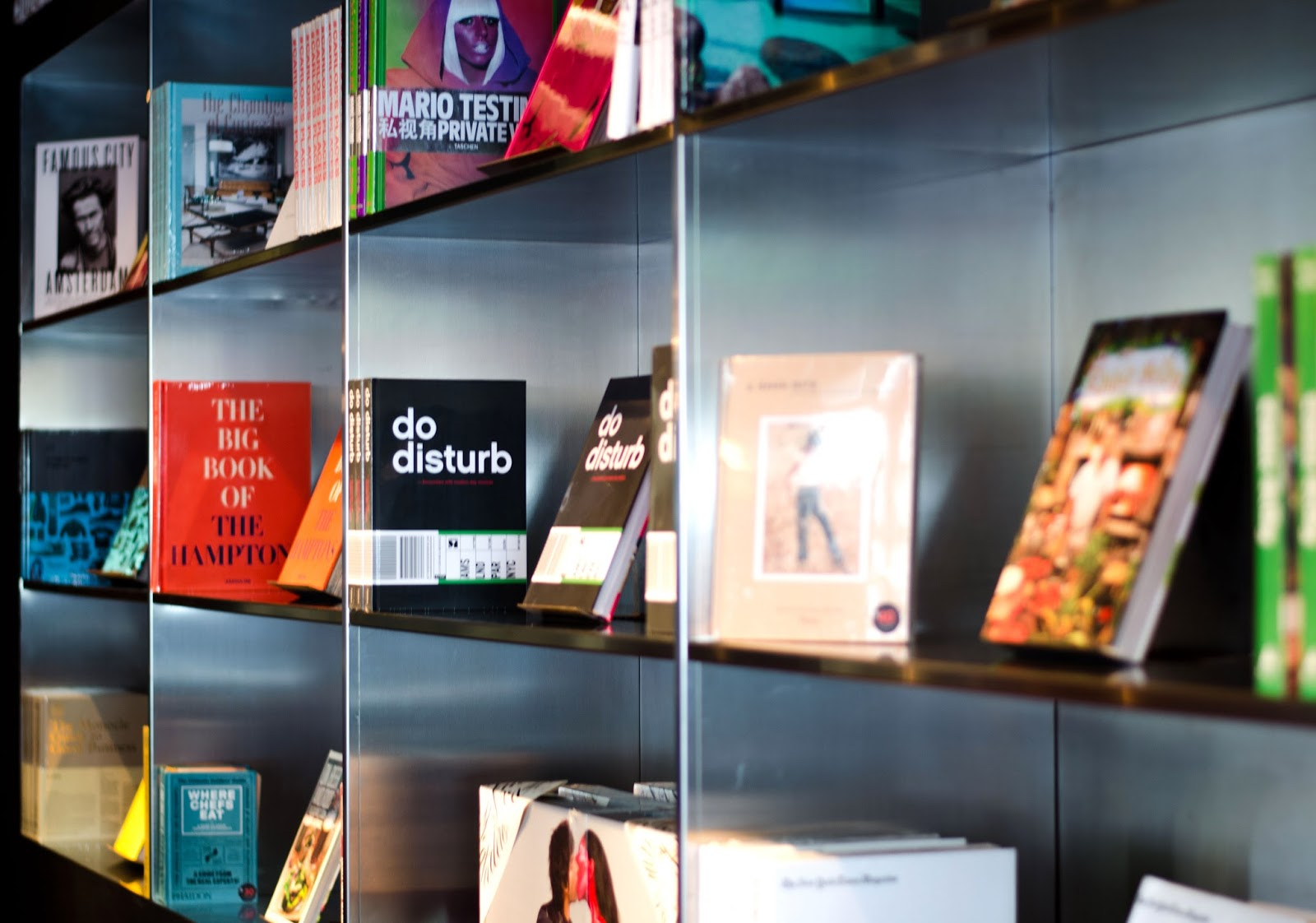 citizenm new york times square hotel library
