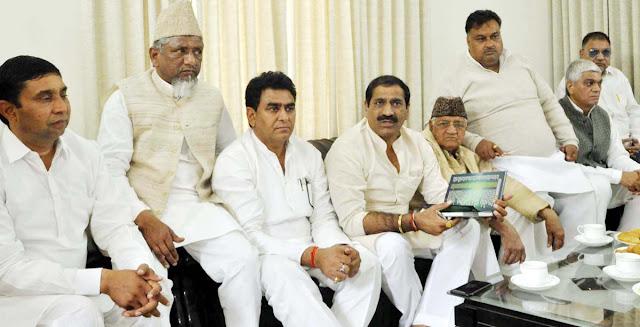 Faridabad congresses on the success of former Chief Minister Hooda's 'Jankranti Rath Yatra'