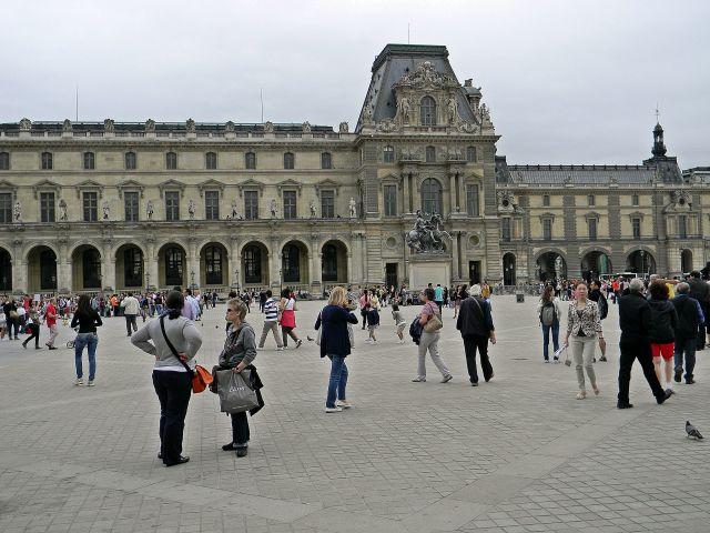 paryskie muzea, Luwr