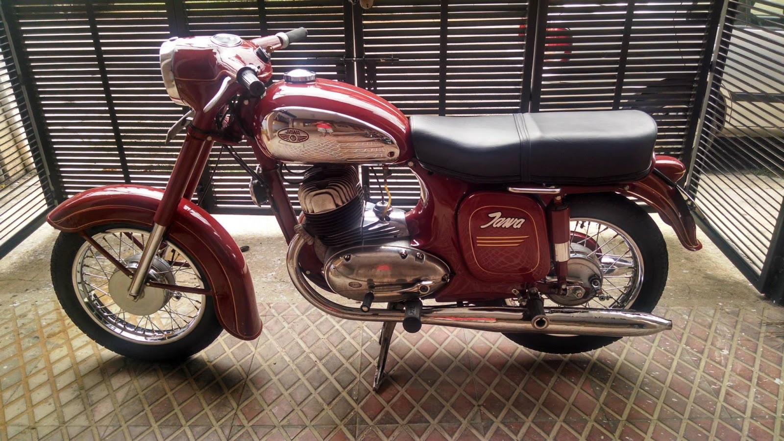 Bangalore Jawa Yezdi Motorcycle Club Ideal Jawa Forever Bike