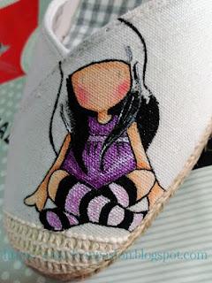 Zapatos-esparto-Gorjuss-morada-pasos-intermedios-pintura-en-tela-Crea2-con-Pasión