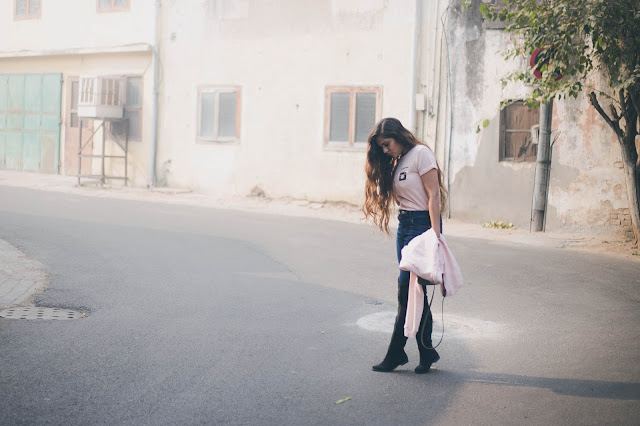 fashion, splash, winter fashion trends 2017, instaqueen, cool grapphic tee, how to style high waist jeans, how to style knee high boots, how to style thigh high boots, delhi winter, beauty , fashion,beauty and fashion,beauty blog, fashion blog , indian beauty blog,indian fashion blog, beauty and fashion blog, indian beauty and fashion blog, indian bloggers, indian beauty bloggers, indian fashion bloggers,indian bloggers online, top 10 indian bloggers, top indian bloggers,top 10 fashion bloggers, indian bloggers on blogspot,home remedies, how to