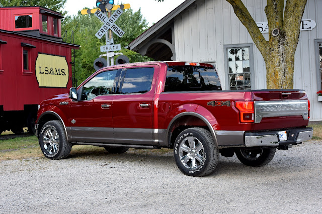 Rear 3/4 view of 2017 Ford F-150 4X4 SuperCrew King Ranch