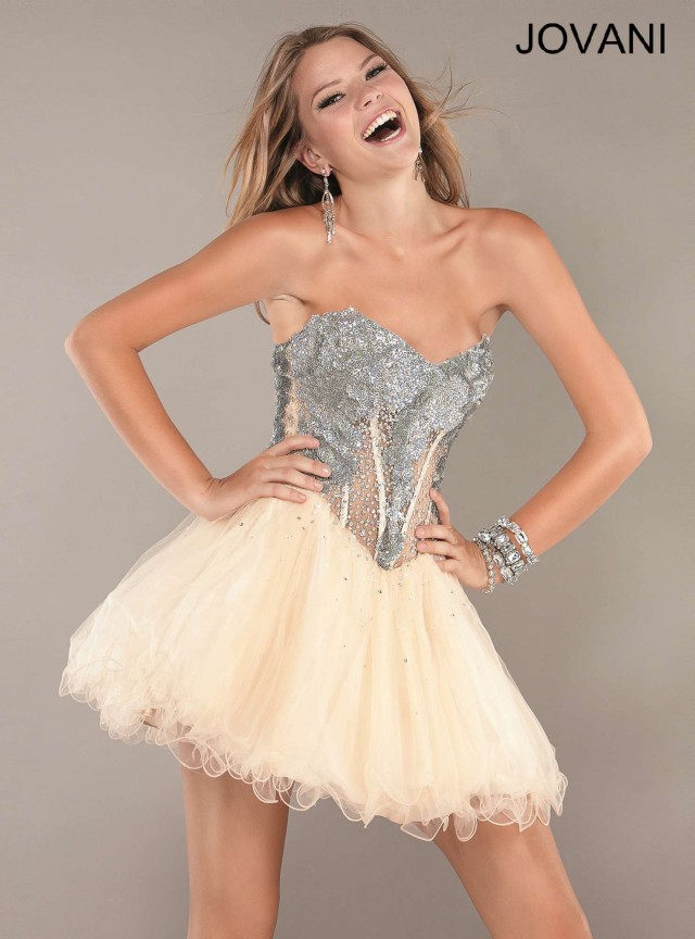 Bellos vestidos de moda | Colección vestidos corses