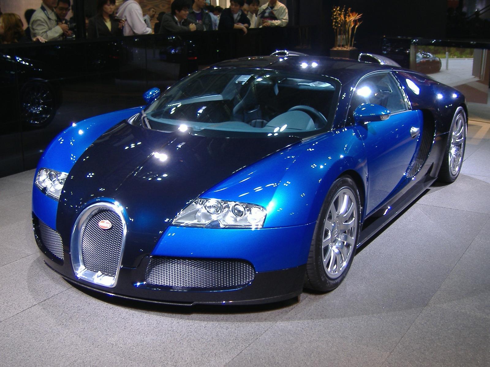 Passionate Riding: Bugatti Veyron