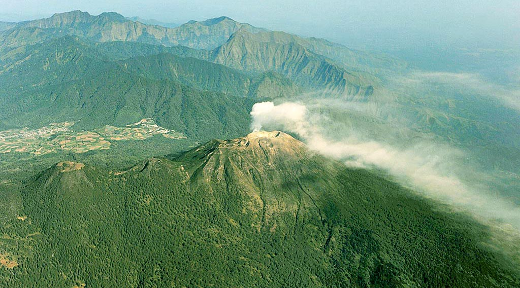 pemandGunung Welirang (3.156 mdpl) - Malang dan Mojokertoangan indah di Raung