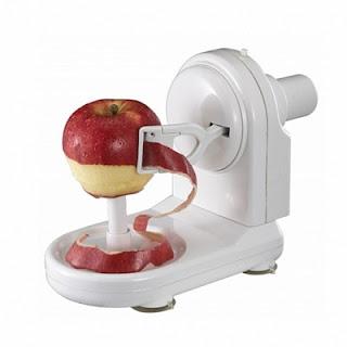 mashinka-dlya-chistki-yablok-apple-peeler